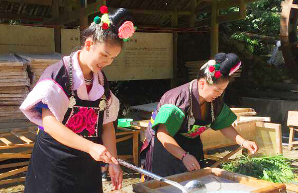 Traditional papermaking in Shiqiao Village regaining vitality
